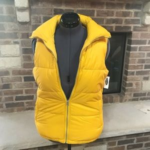 NWT Old Navy Down Alternative Vest UNISEX Yellow M
